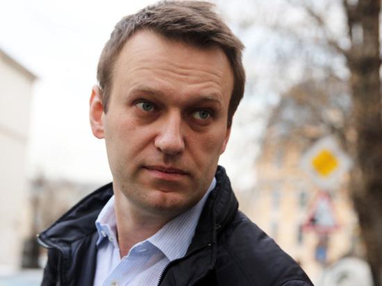 Навального уже вылечили: оппозиционер вернулся, про зеленку забыли