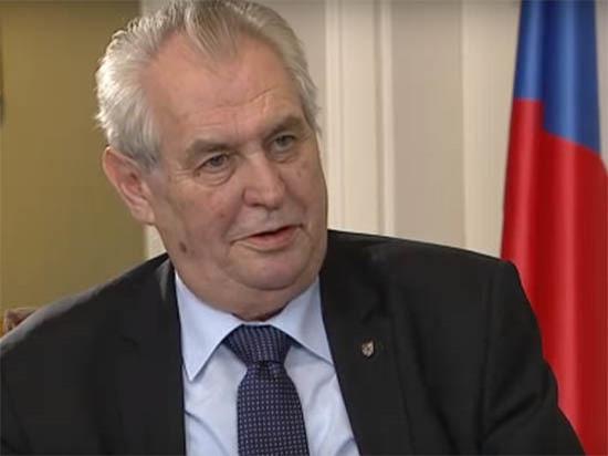 """Президент Чехии предложил Путину """"ликвидировать"""" журналистов"""