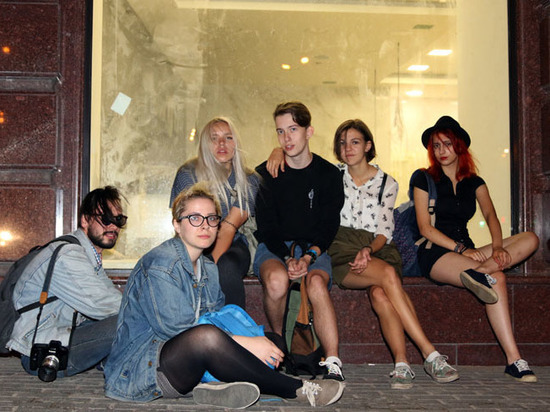 """Два миллиона молодых россиян попали в категорию """"людей без лица"""""""