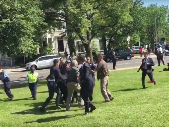 Появилось видео очередного избиения охранниками Эрдогана демонстрантов в США