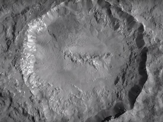 NASA опубликовало видеозапись Цереры, вращающейся в лучах Солнца