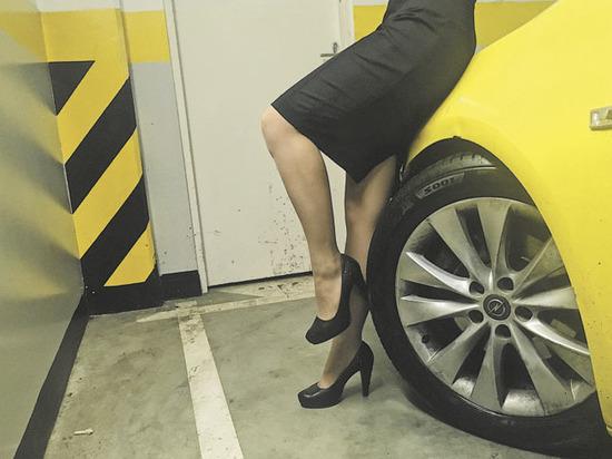 Выбираем оптимальную одежду дляженщины за рулем