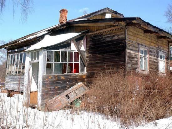 Низкие потолки, дырявая крыша: как чиновники издевались над ветераном  войны