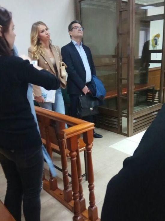В деле Захарченко новая взятка и ресторан, где бывал Медведев
