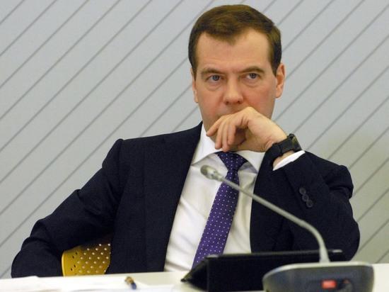 Алексашенко пошутил над Медведевым, посоветовав ему регулировать погоду