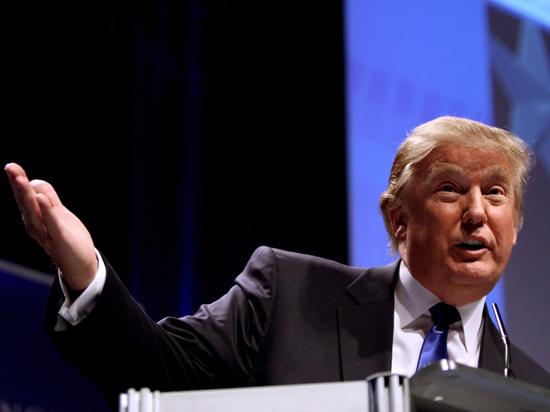Россия не отпускает Трампа: над президентом нависла тень специального прокурора