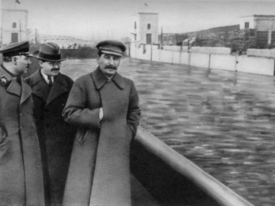 Украина хочет возбудить уголовное дело против Сталина за геноцид
