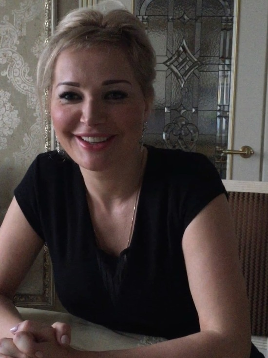Мария Максакова провела параллель между Навальным и Вороненковым