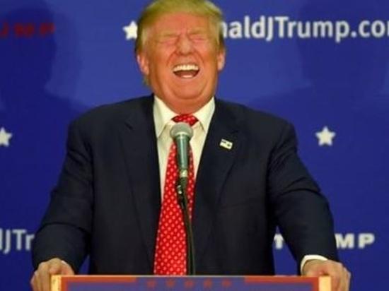 """Трампа назвали """"полезным для русских идиотом"""""""