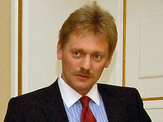 Песков о визите Путина в Париж: объявим когда придет время