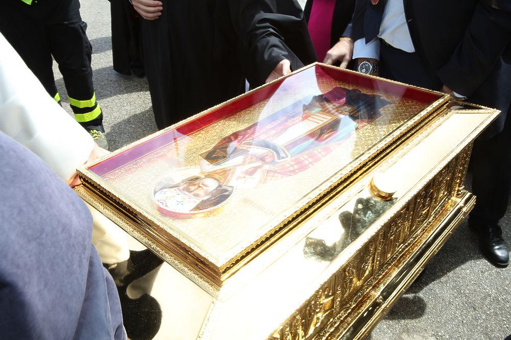 К мощам Николая Чудотворца в Москве выстроилась рекордная очередь
