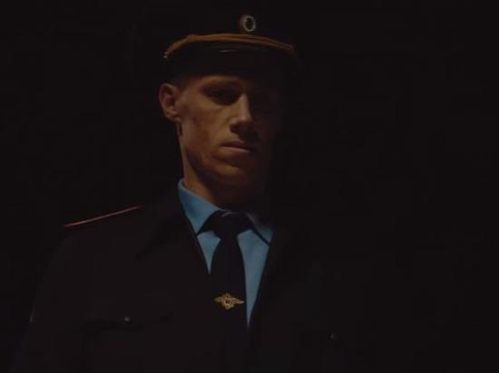 Погребняк сыграл полицейского в неоднозначном клипе жены о мажорах