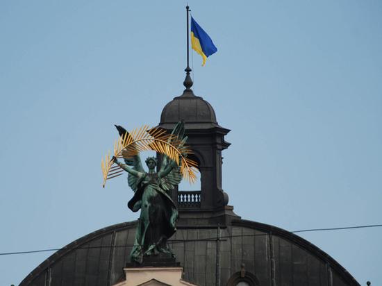 Выстрелы в спину «в Украйине»: новая волна антироссийских законов
