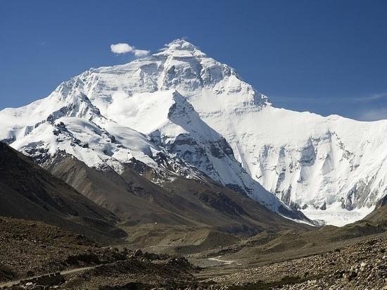 НаЭвересте обнаружили тела четырех альпинистов