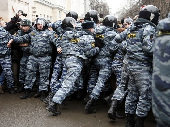 СМИ: самарским учителям приказали удерживать школьников от митингов угрозой тюрьмы