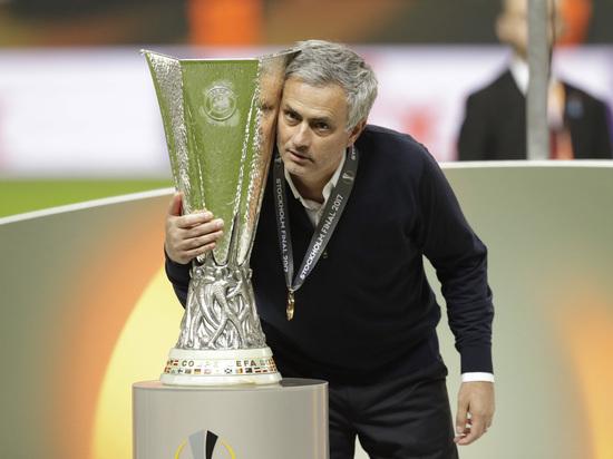 """Моуринью привел """"Манчестер Юнайтед"""" к победе в Лиге Европы"""
