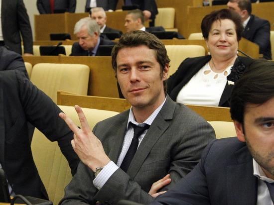 Коммунисты рассказали о политическом подтексте отказа Сафина от депутатского мандата