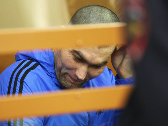 Обвиняемый в убийстве Немцова женился ради свиданий