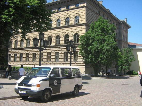 Генпрокуратура Латвии изучит слова депутата, сравнившего русских со вшами