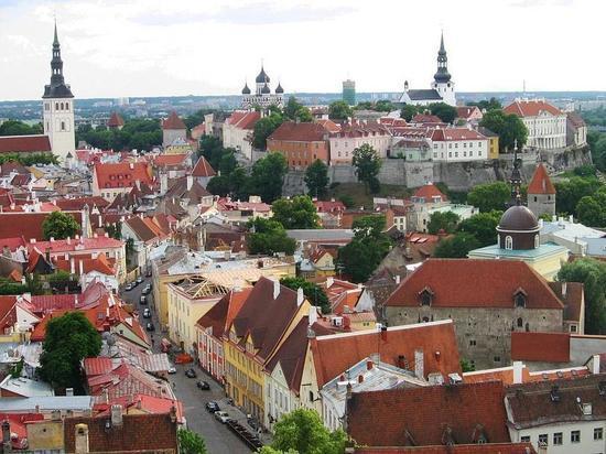 Недружественный акт: двух российских дипломатов высылают из Эстонии