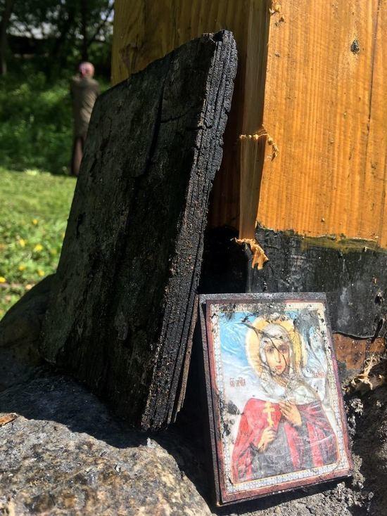 «Ритуальное преступление»: кто и зачем поджег крест в Андрониковом монастыре