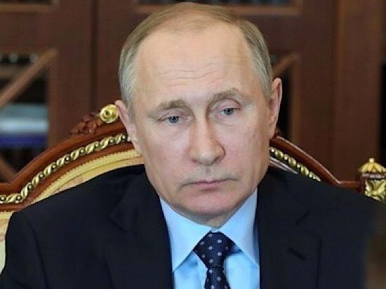 Рейтинг Путина упал, Медведева подкосило расследование Навального
