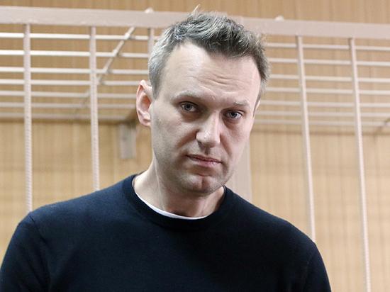 """В суд по иску Усманова Навальный пришел """"с радостью"""""""