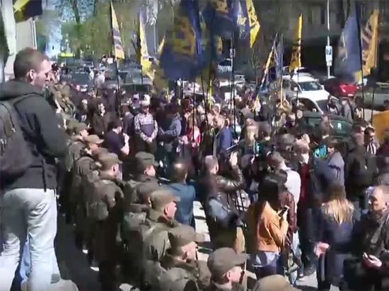 Ультиматум президенту Украины: радикалы требуют национализировать российский капитал