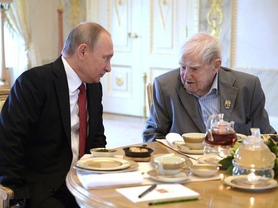 Владимир Путин сказал, что вПетербурге чувствует моральное идушевное облегчение