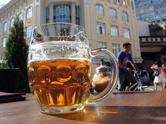 Мягкая алкоголизация: россиян спаивают безалкогольным пивом