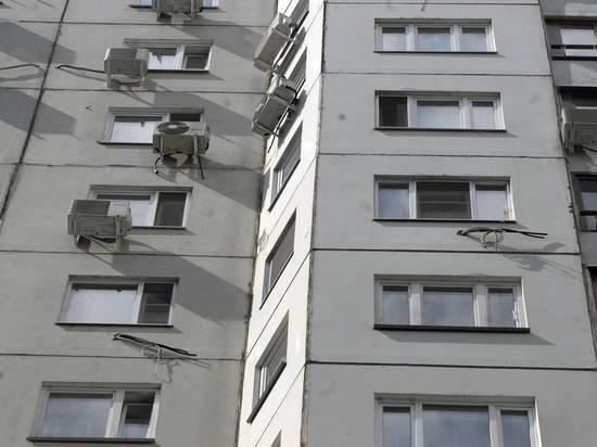Студентка выпала с девятого этажа, разругавшись с матерью
