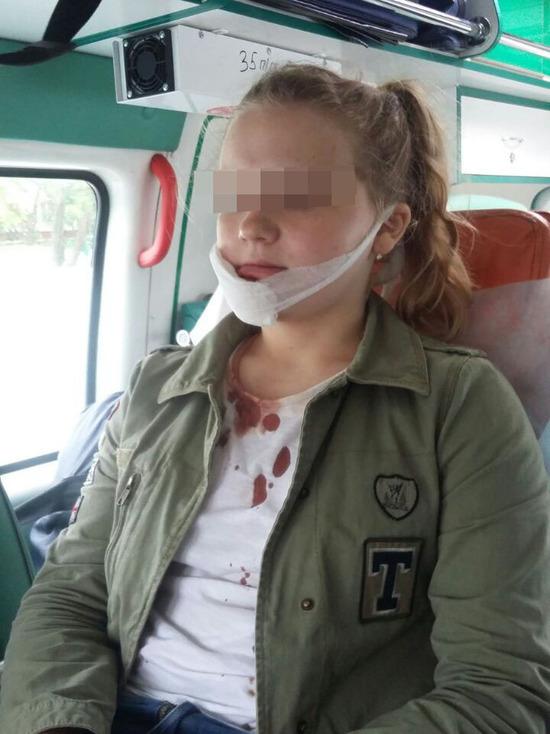 Русская девочка садится на лицо онлайн фото 65-759