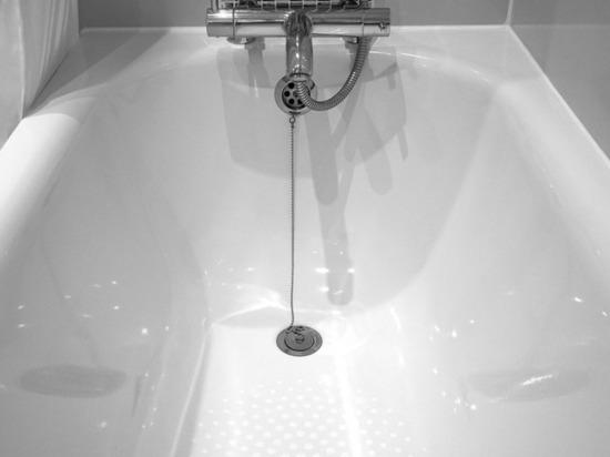 Осужден отчим, топивший пасынка в ванной за кривые буквы