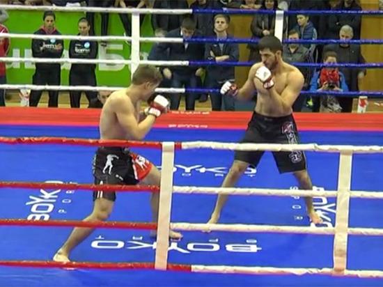 Чемпиона мира по ММА собрались выдать объявившему кровную месть чеченцу
