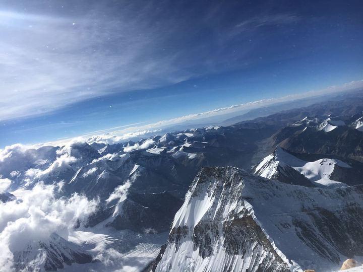 Похороны в «зоне смерти»: на Эвересте лежат 280 непогребенных тел