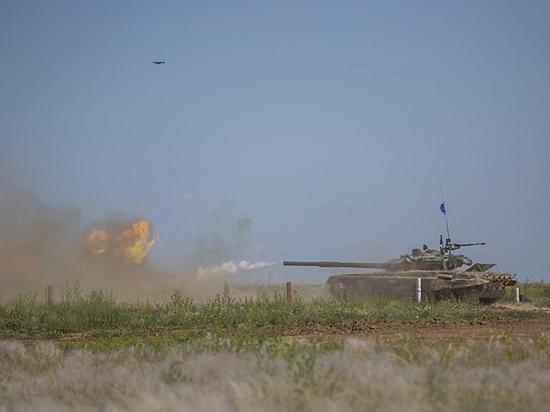 Яичница на танках: главком Сухопутных войск пригласил гостей пострелять