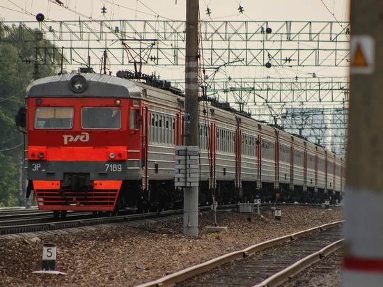 Машинист пытался предупредить погибшую под колесами поезда внучку Хрущева
