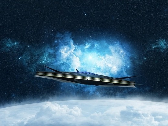 Уфологи заметили на орбите гигантский НЛО, похожий на сигарету