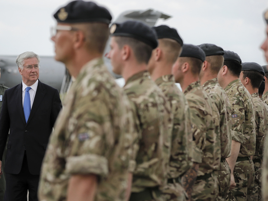 Министр обороны Великобритании нескупится напохвалы за«защиту отРоссии»