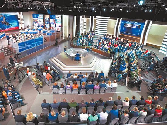 """""""Линия будет только прямой"""": россияне задали Путину 2 миллиона вопросов"""