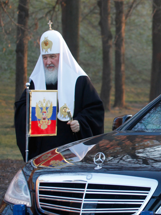 Патриарх посоветовал священникам пересесть на дешевые авто: это только рекомендация