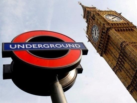 В результате наезда фургона на толпу в Лондоне пострадали несколько человек