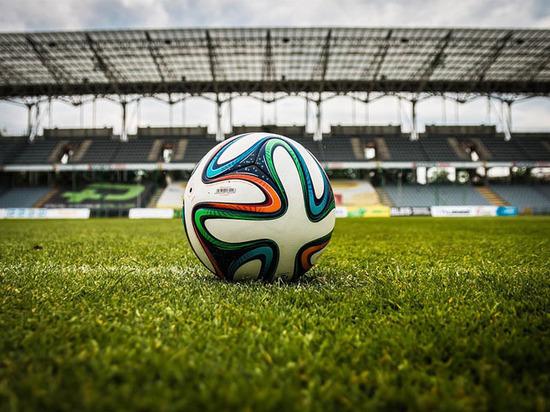 Видеоповторы раскололи футбольный мир: на российских стадионах творится революция