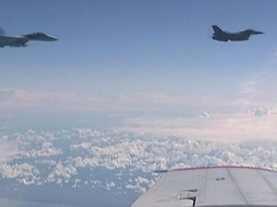 Самолет Шойгу вызвал подозрение у НАТО