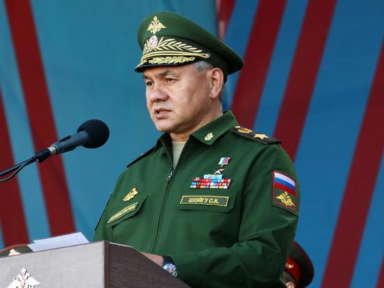 Шойгу объяснил модернизацию западной группировки армии агрессивностью НАТО в Прибалтике