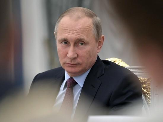Приходится сдубиной добиваться поднятия зарплат учителей— Путин