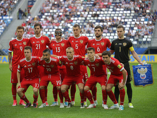 Шишкин иКомбаров— встартовом составе сборной Российской Федерации, Роналду— воснове португальцев
