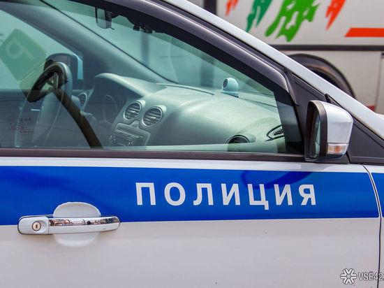 В Кузбассе мужчина упал с дерева и умер