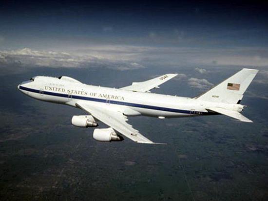 Поломанные «ядерные чемоданчики»: шторм повредил американские «самолеты судного дня»