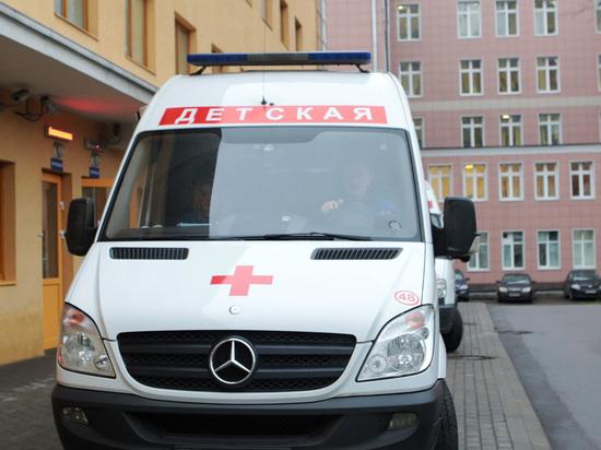В столице России упавшую сседьмого этажа девочку доставили вреанимацию